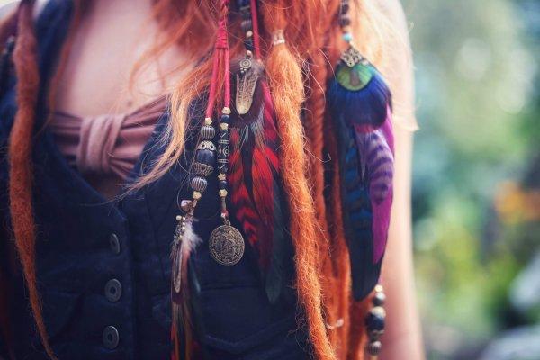 Bohemia Amethyst Feather Hair Braider