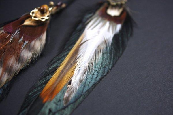 Natural Emerald Heart Feather Hair Clip
